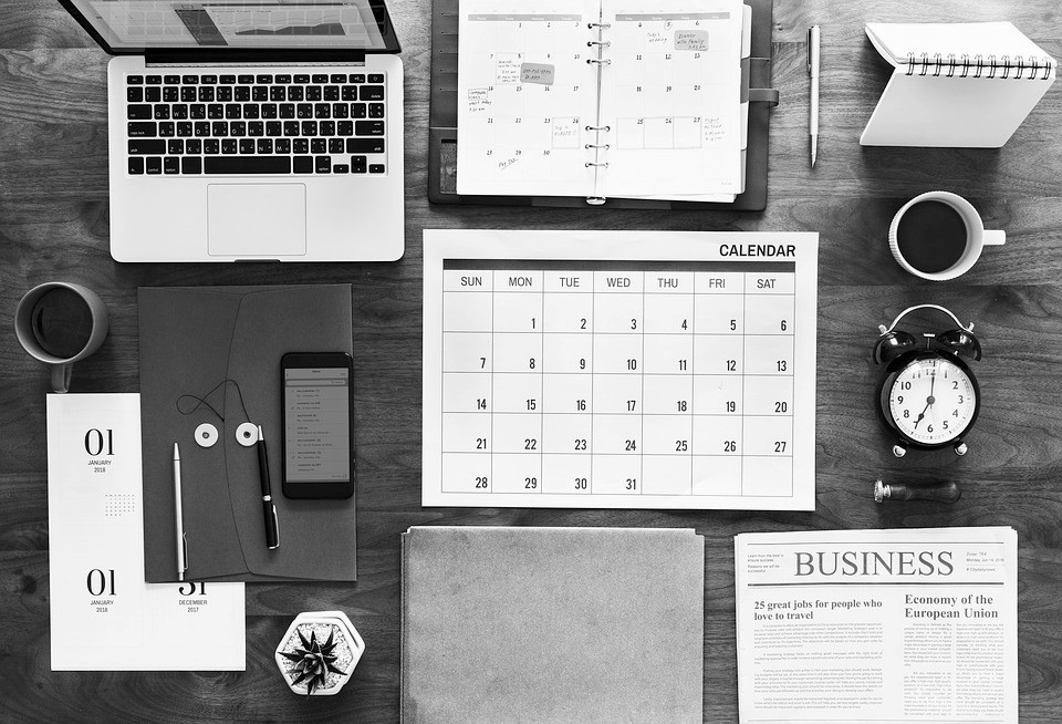 ordinateur calendrier business agenda reveil bloc smartphone